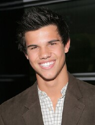 &#8216;Twilight&#8217; Countdown: Taylor Lautner takes your questions