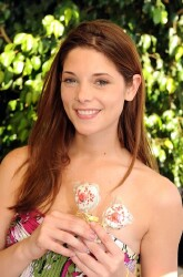 Ashley Greene Updates