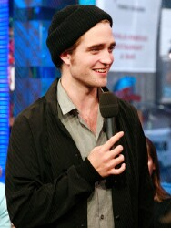 'Twilight' countdown: Robert Pattinson answers even more of your questions