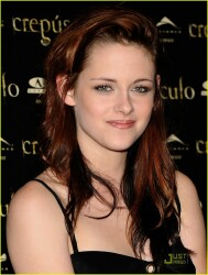 'Twilight' Countdown: Rate Kristen Stewart's red carpet fashion