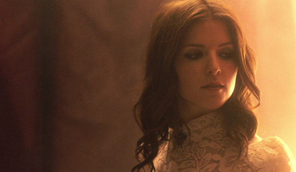 Anna Kendrick In New Music Video Behind The Scenes Photos