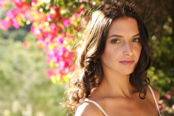 Andrea Gabriel on Breaking Dawn, Lost, &amp; How She Got Started in the Acting Biz