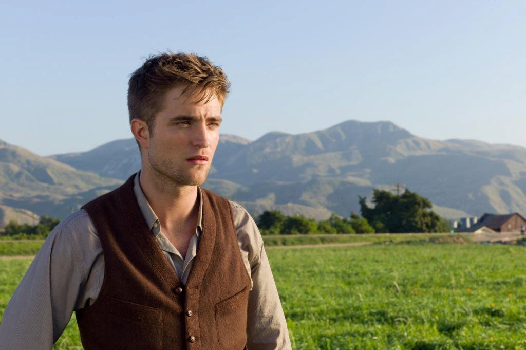 "It Really Is a Circus: New Stills from ""Water for Elephants"" + a New Trailer Is on the Way!"
