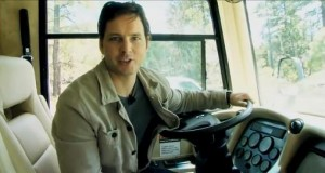 Take a Tour of Peter Facinelli's RV + Video from Chicago Mall Appearance