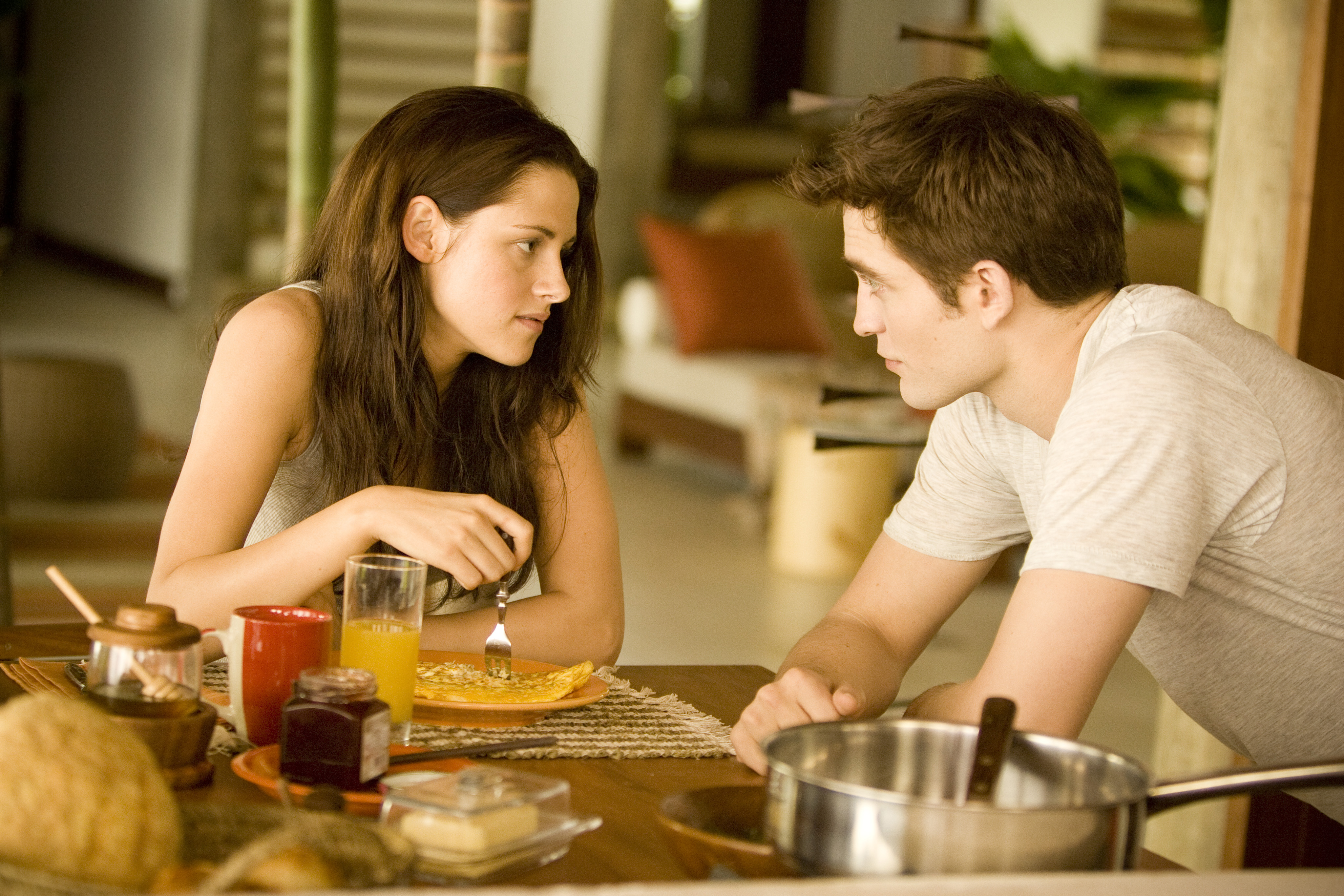 HQ Versions of EW & People Magazine 'Breaking Dawn' Stills!