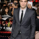Robert-Pattinson-goes-solo_gallery_primary