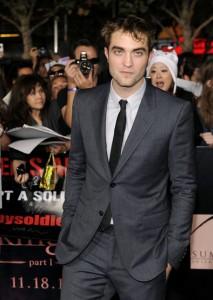 Robert-Pattinson-goes-solo_gallery_primary