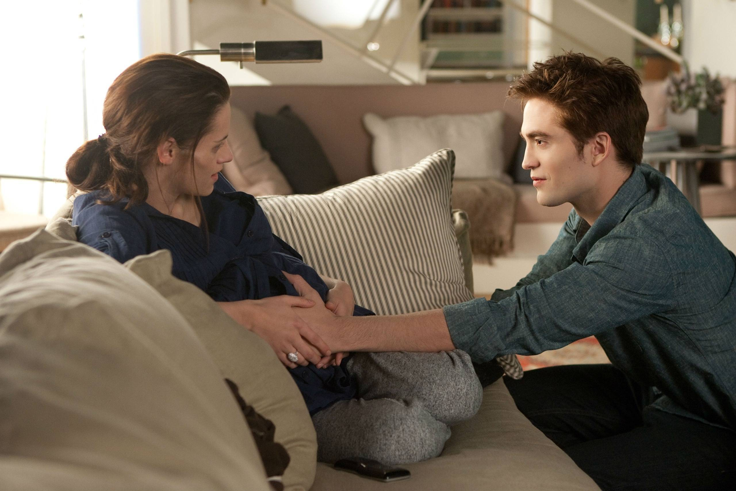 New Stills: Wedding, Honeymoon & (Animatronic?) Renesmee ...