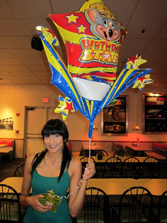 Tinsel Korey Celebrates Her BDay @ Chuck E Cheese!