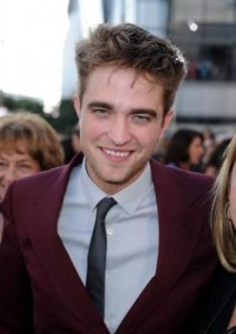 Robert Pattinson: New Film Role + Golden Globes Presenter